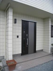 玄関ドア外見新