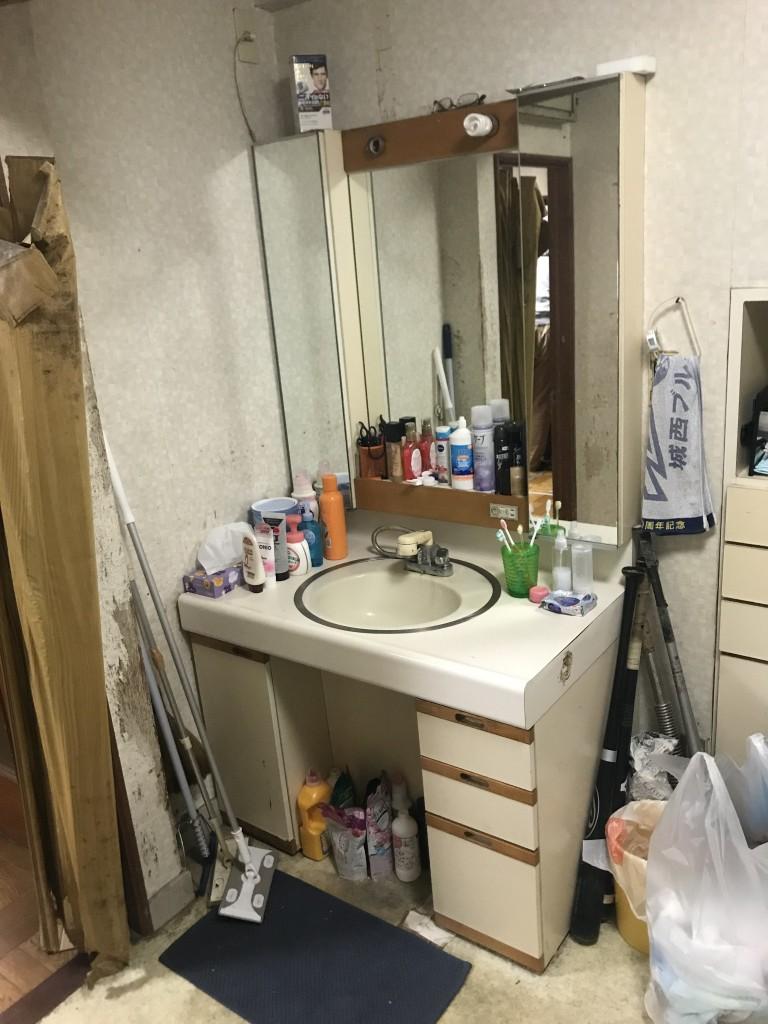 洗面施工前1