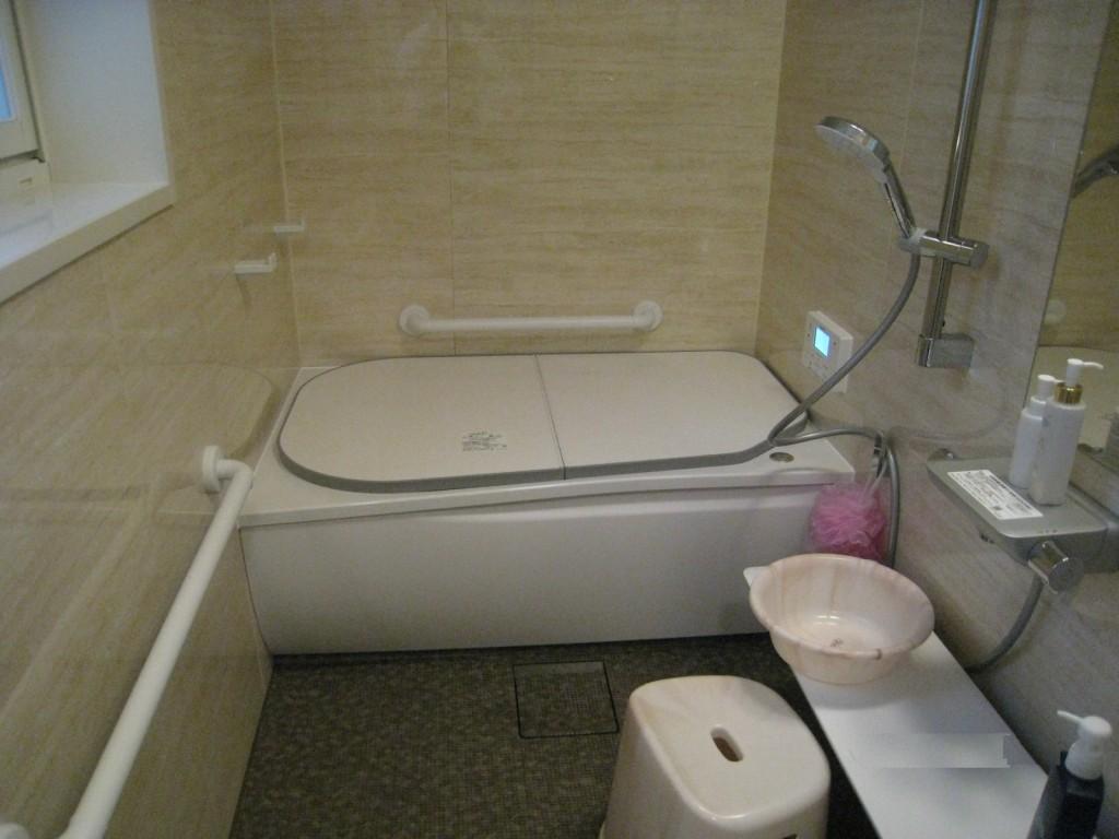 浴室正面手摺.jpg-1